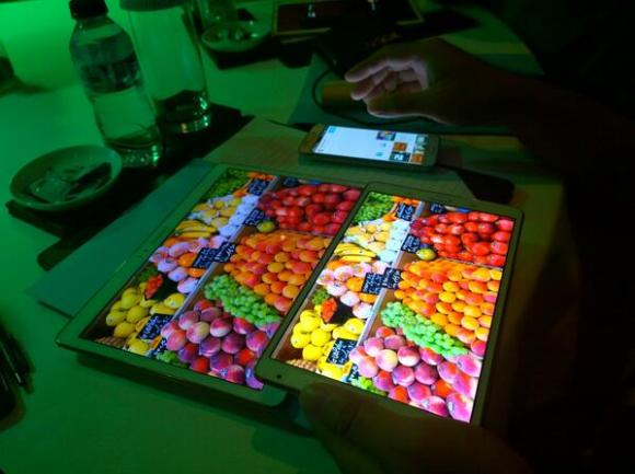 "Samsung Galaxy Tab S 10.5"" dan Samsung Galaxy Tab S 8.4""."